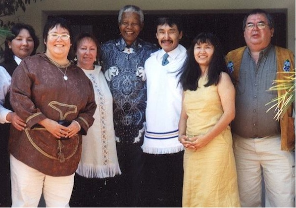 Mandela met with a delegation of Inuit and others at climate talks in South Africa in 2000.