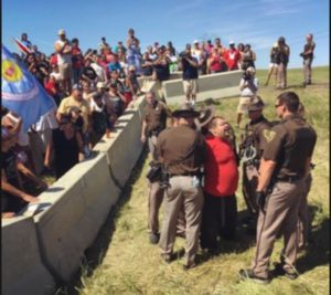 Tribes move to block pipeline. Photo-trendolizer